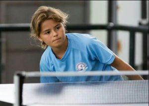 Palmero en sus inicios en el tenis de mesa con 11 años