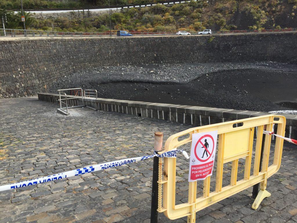 La playa del muelle permanece cerrada al baño
