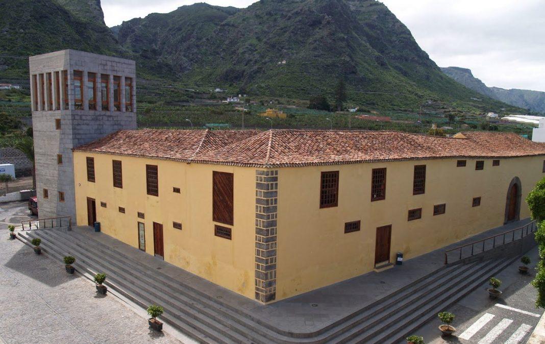 El Cabildo de Tenerife inaugura en Los Silos la exposición fotográfica 'En el objetivo'