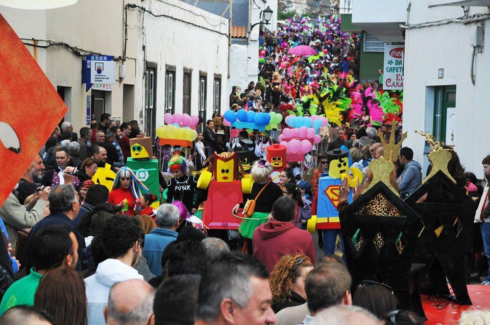 Resultado de imagen de El coronavirus fuerza la suspensión del Carnaval de La Caleta